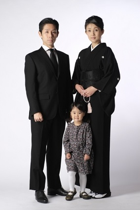 喪服の家族